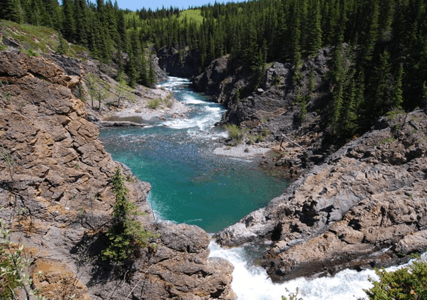 10 Spots to Check Out on Your Roadtrip through Western Alberta!